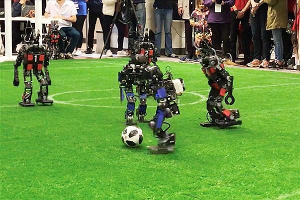 تیم ربات انسان نمای دانشگاه آزاد قزوین در مسابقات روبوکاپ آسیا مقام دوم کسب کرد